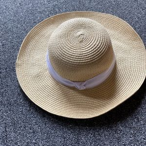 Baby straw hat with band